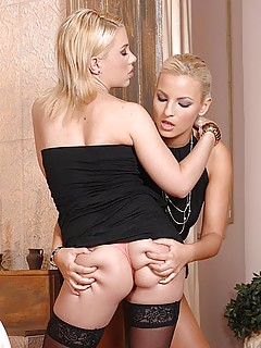 Blonde Lesbians Porn